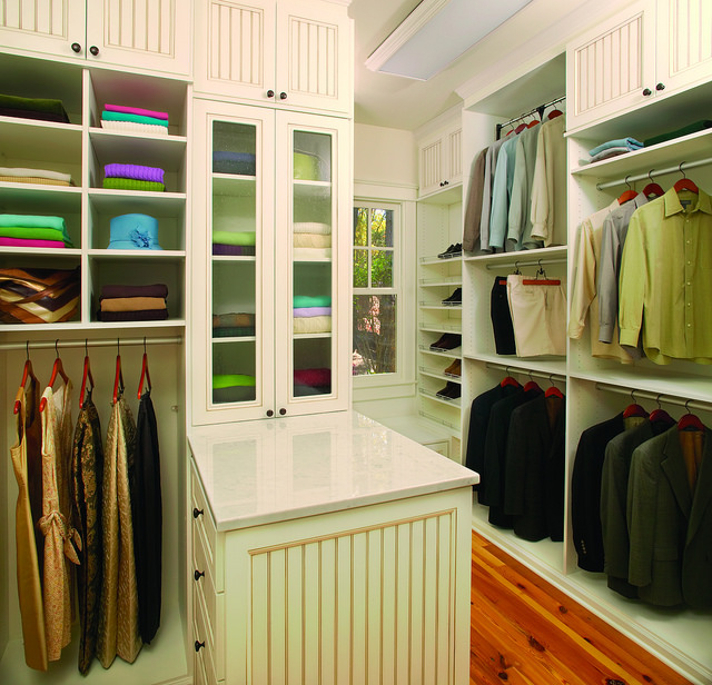 Built-in closets in Franklin, MA