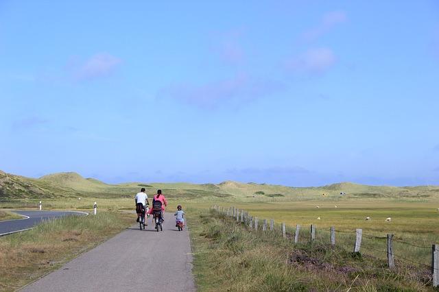 Family biking on the cheap