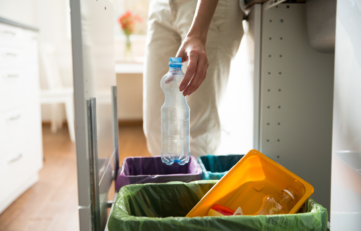 Throwing away kitchen garbage clutter