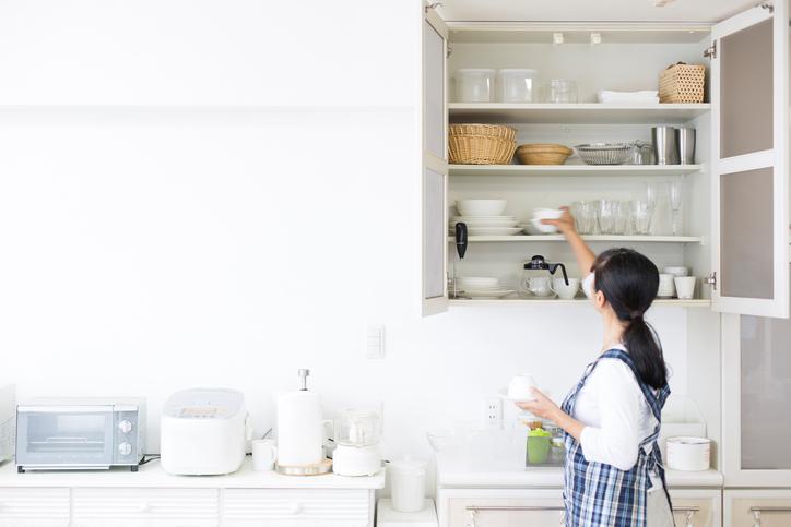 neat organized kitchen cabinets