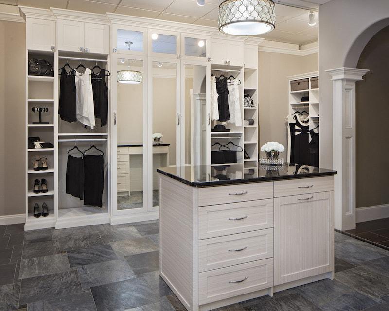 Black and white custom closet Las Vegas NV