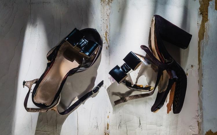 broken heel on womens shoe
