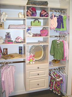 Small kid's closet organizer
