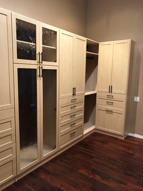 Phoenix custom closet system in shaker profile