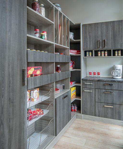 Custom butler's pantry