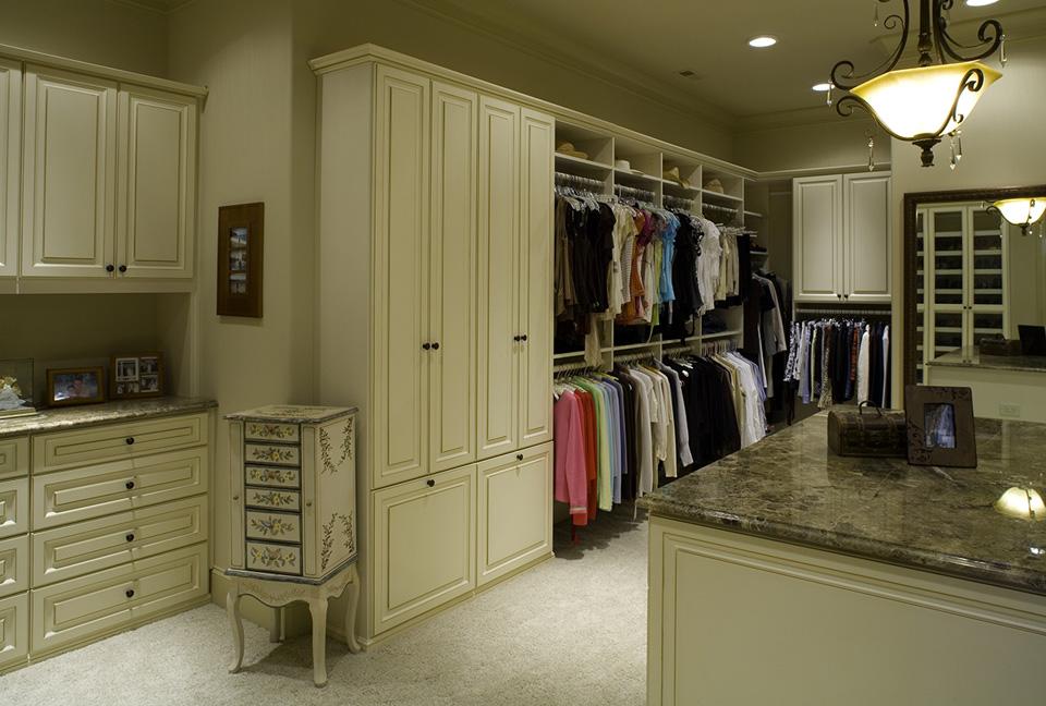 Traditional Custom Closet