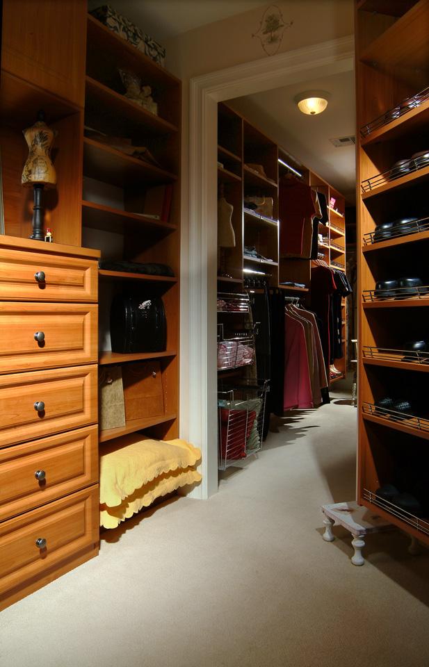 Narrow Custom Closet