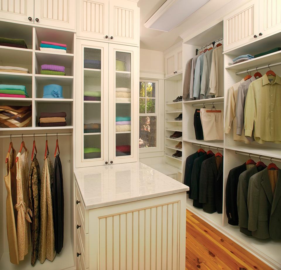 Custom Closet with Peninsula