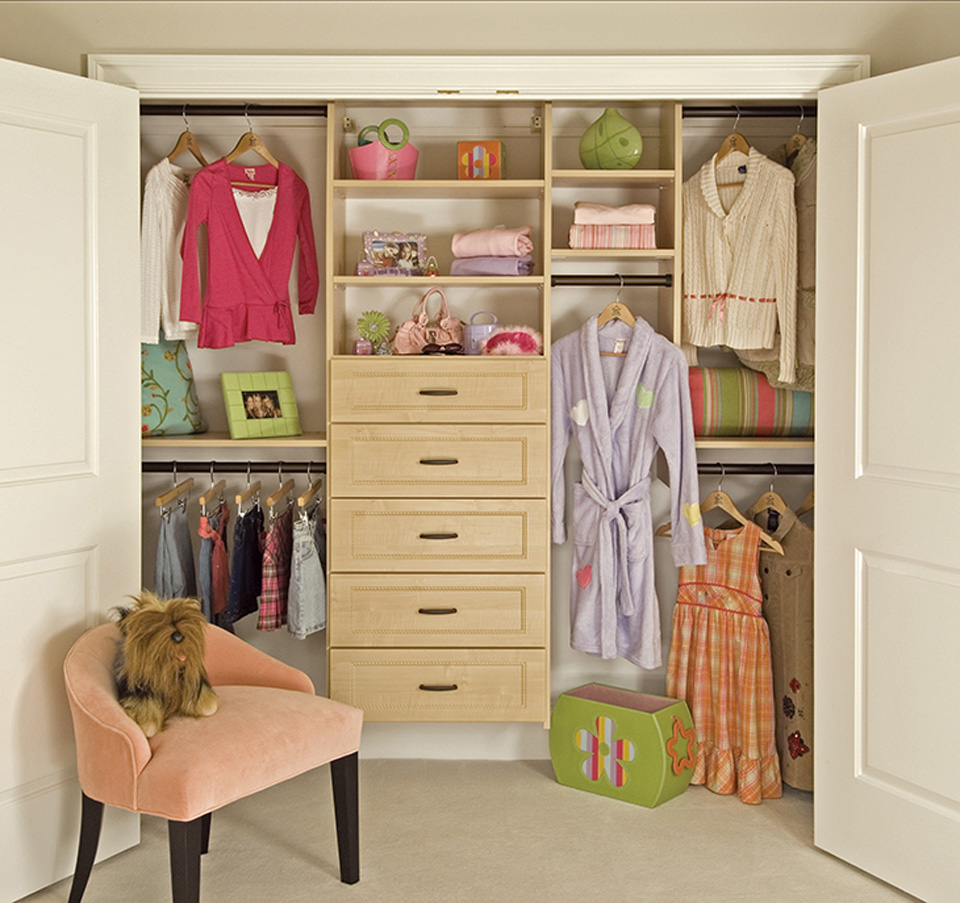 Girl's Custom Closet